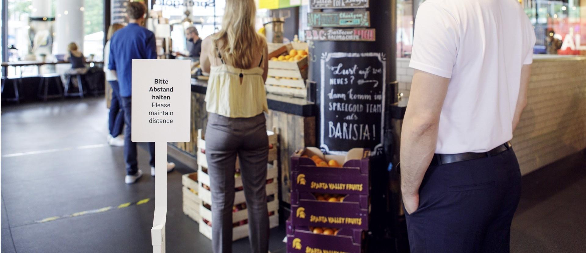 Infotafel am Buffet im Restaurant und Café